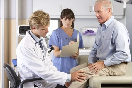Orthopedic Surgery Expert Witness Opines on Case Where Patient Received Wrong Size Prosthesis After Knee Replacement Surgery