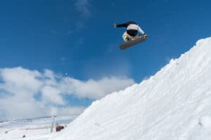Biomechanical Engineer Discusses Injuries Suffered by Skier at Terrain Park