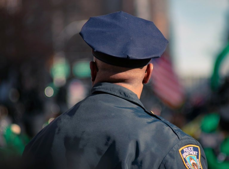 Relying on Personal Experience and Industry Manuals Constitutes Sufficient Methodology for Police Experts